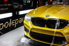 studio-ales-car-wrap-polep-aut-celopolep-polepaut-bmw-m5-stoneprotect-ochranna-laku-polyuret-7-scaled