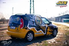 studio-ales-car-wrap-polep-aut-design-reklama-na-roomster-real-geek-2-scaled